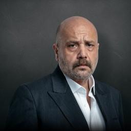 Ahmet Mümtaz Taylan as Haşmet Gürkan