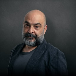 Murat Daltaban as Muzaffer Cura