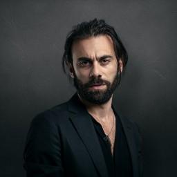 Cavit Çetin Güner as Murat Ersoylu
