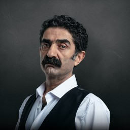 Ali Seçkiner Alıcı as Hasan Kırbaş