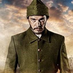 İsmail Ege Şaşmaz as Mehmet