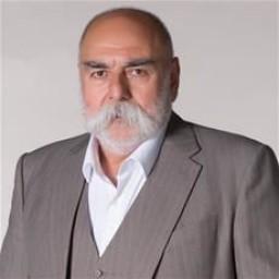 Macit Sonkan as Şakir Alacan