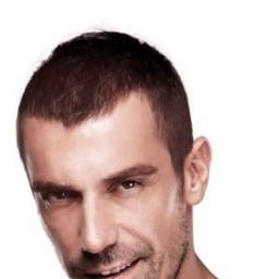 İbrahim Çelikkol as Mert Barca