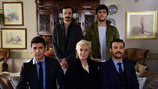 S01E03 of İstanbullu Gelin