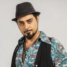 Olgun Toker as Mahir