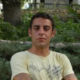 Daghan Külegeç as Mete Uyar