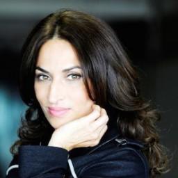 Jale Arıkan as Monika Sessa