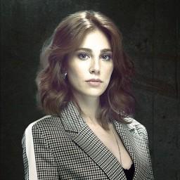 Elçin Sangu as Zeynep Tunç