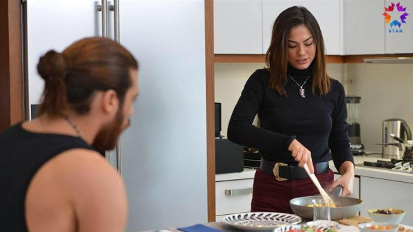 S01E19 of Erkenci Kuş