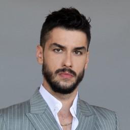 Aras Aydin as Faruk Malik