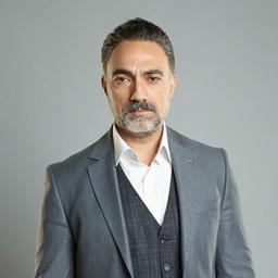 Selim Bayraktar as Abbas Demirkan