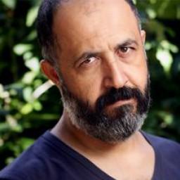 Mehmet Özgür as Selahattin