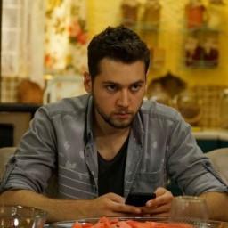 Cem Kenar as Murat Kaleli