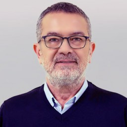 Hasan Şahintürk as Kenan Talaslı