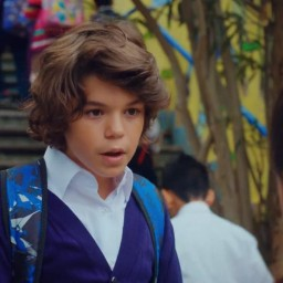 Deniz Ali Cankorur as Mert
