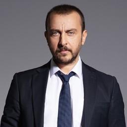 Ali Atay as Selim Kara