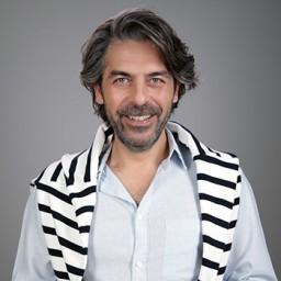 Sinan Tuzcu as Metin Yaman