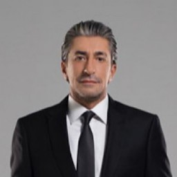Erkan Petekkaya as Kemal Vardar