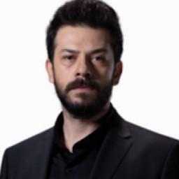 Ahmet Tansu Taşanlar as Azat Şadoğlu