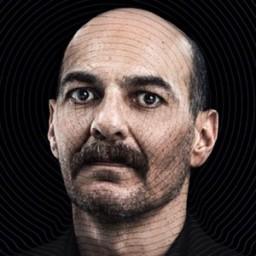 Umut Karadağ as İskender Akay