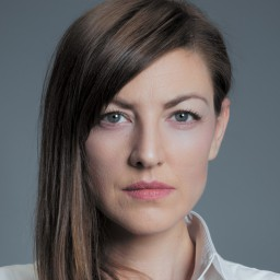 Zeynep Kumral as Canan Kervancioglu