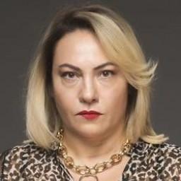 Mahperi Mertoğlu as Şerif Abla