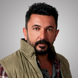 Toygan Avanoğlu as Sefer Kadıoğlu