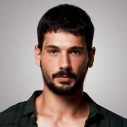 Deniz Can Aktaş as Yusuf Eren