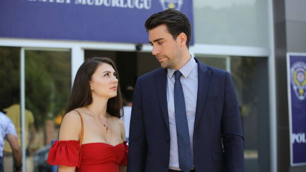 S01E13 of Afili Aşk