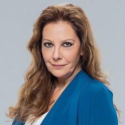 Ayda Aksel as Nevra Sayguner