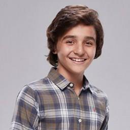 Emirhan Akbaba as Isa Ozer