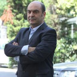 Murat Daltaban as Mümtaz