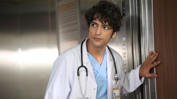 S01E02 of Mucize Doktor