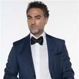 Selim Bayraktar as Edip