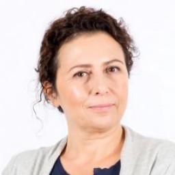Işıl Dayıoğlu as Reyhan