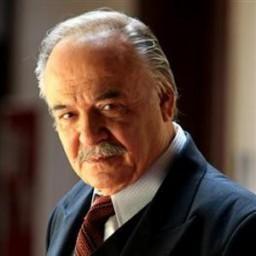Çetin Tekindor as Ihsan Kozcuoğlu