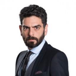 Mehmet Ali Nuroglu as Vedat Sayar