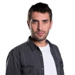 Ulaş Tuna Astepe as Tahir Kaleli