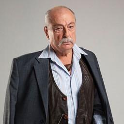 Engin Şenkan as Bünyamin Ayaz