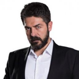 Sinan Tuzcu as Mustafa Kaleli