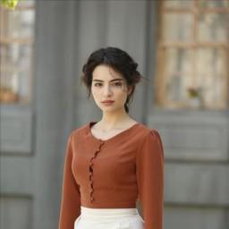 Melisa Aslı Pamuk as Ayşe