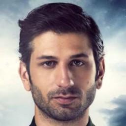 Ushan Çakır as Celil Kamilof