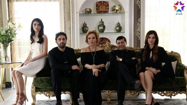 S01E01 of Yüksek Sosyete