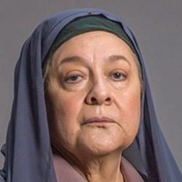 Celile Toyon as Hasibe
