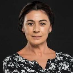 Zeyno Eracar as Fehime
