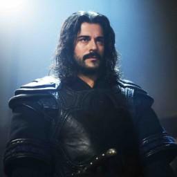 Burak Özçivit as Osman Bey