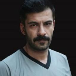 Rüzgar Aksoy as Tarık