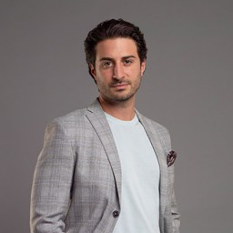 Alican Barlas as Yiğit