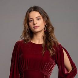 Leyla Tanlar as Şirin
