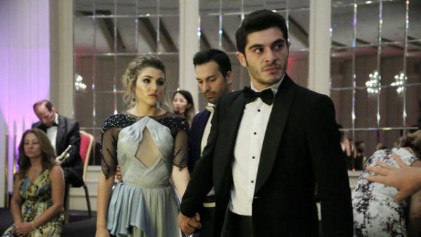 S01E09 of Aşk Laftan Anlamaz